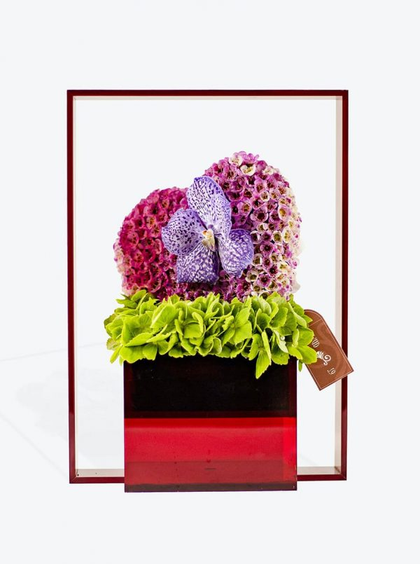 Send the special people in your life the perfect gift with WUD Flowers, Dubai.